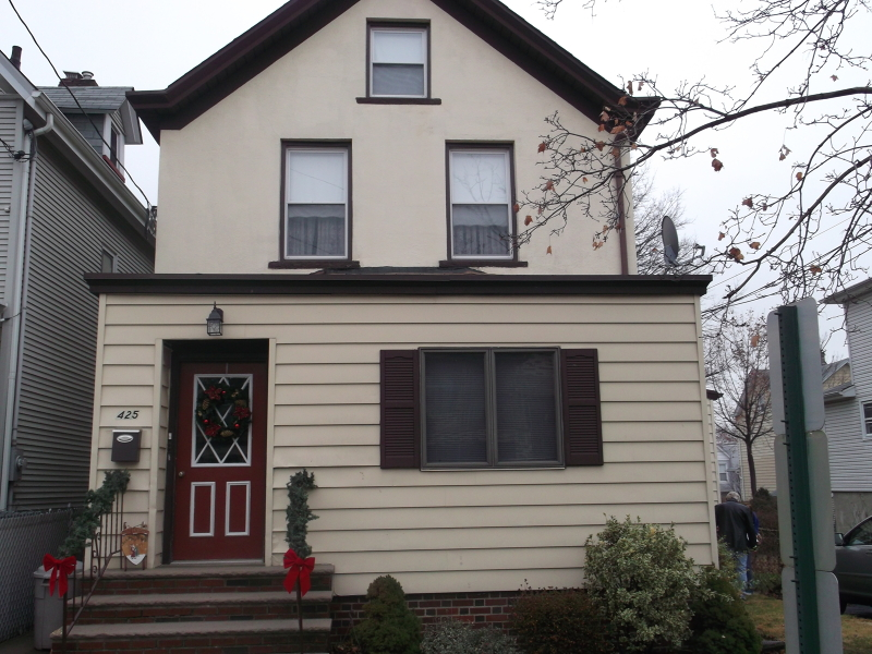 Maison unifamiliale pour l à louer à 425 1st Street Carlstadt, New Jersey 07072 États-Unis