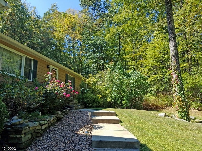 Additional photo for property listing at 955 Mount Holly Road  Stillwater, Nueva Jersey 07825 Estados Unidos