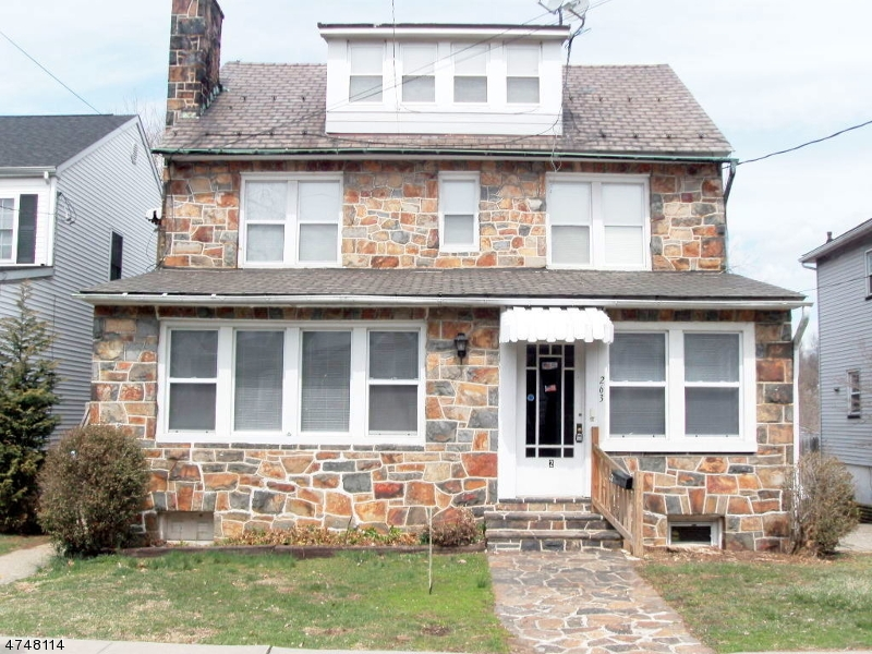 Casa Unifamiliar por un Alquiler en 263 SHAFER Avenue Phillipsburg, Nueva Jersey 08865 Estados Unidos