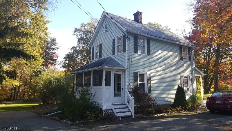 独户住宅 为 出租 在 8 McKay Lane 阿灵顿山, 新泽西州 07856 美国
