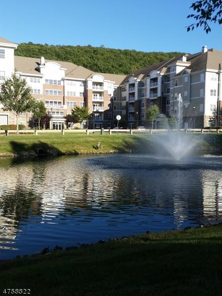 Частный односемейный дом для того Продажа на 2217 Warrens Way Wanaque, Нью-Джерси 07465 Соединенные Штаты