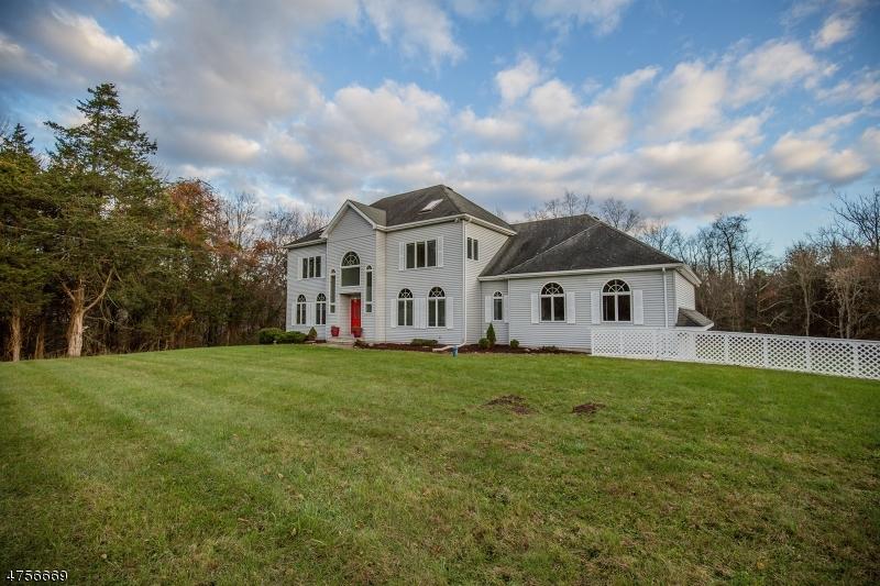 独户住宅 为 销售 在 110 Meadows Road 拉斐特, 新泽西州 07848 美国