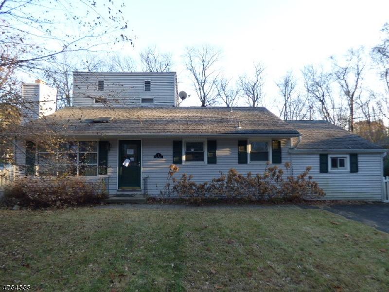 Maison unifamiliale pour l Vente à 3 Bank Street Byram Township, New Jersey 07874 États-Unis