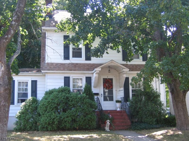 Casa Unifamiliar por un Alquiler en 16 Hillview Avenue Morris Plains, Nueva Jersey 07950 Estados Unidos