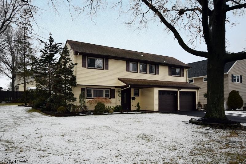 独户住宅 为 销售 在 32 Carolina Street 32 Carolina Street 克兰弗德, 新泽西州 07016 美国