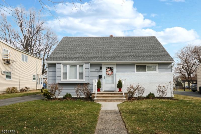 Einfamilienhaus für Verkauf beim 100 Chestnut Street 100 Chestnut Street Belleville, New Jersey 07109 Vereinigte Staaten