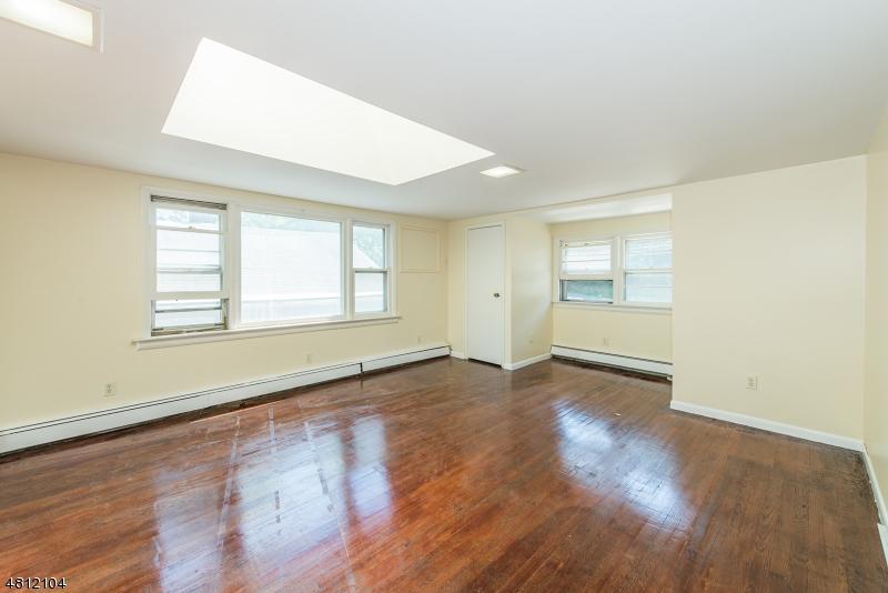 Многосемейный дом для того Продажа на 363 CENTRAL Avenue Haledon, Нью-Джерси 07508 Соединенные Штаты