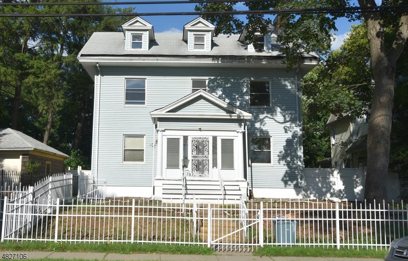 Vivienda unifamiliar por un Venta en 701 SALEM Avenue Elizabeth, Nueva Jersey 07208 Estados Unidos