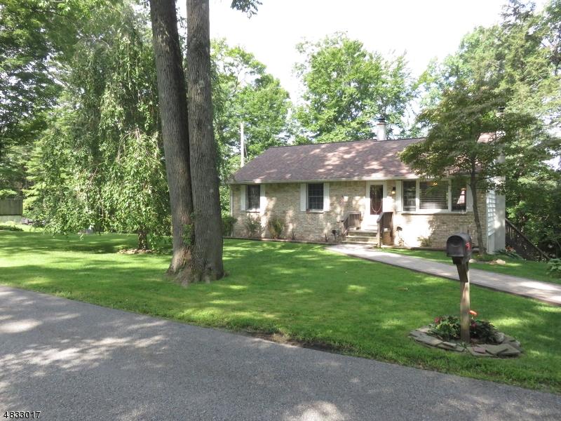 独户住宅 为 销售 在 12 BELFORD Drive 西米尔福德, 新泽西州 07421 美国