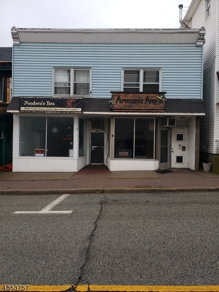 Commercial for Sale at 10 Newton Avenue Sussex, New Jersey 07461 United States