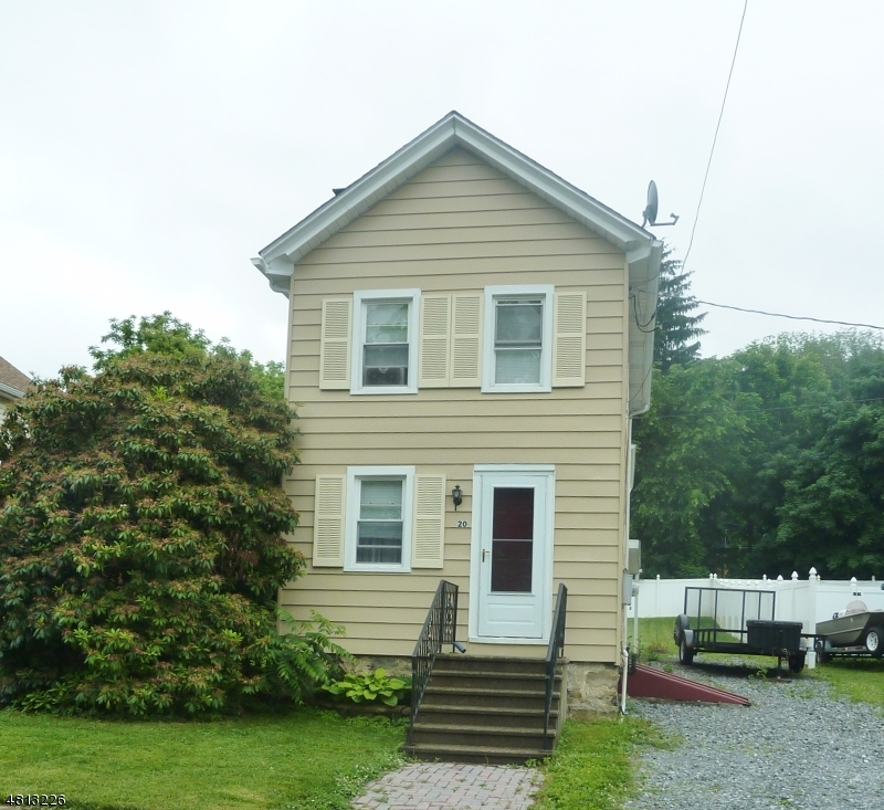 Частный односемейный дом для того Продажа на 20 GREEN Street Oxford, Нью-Джерси 07863 Соединенные Штаты
