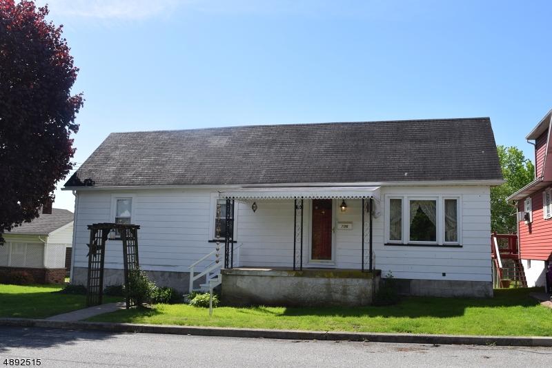 Частный односемейный дом для того Продажа на Alpha, Нью-Джерси 08865 Соединенные Штаты