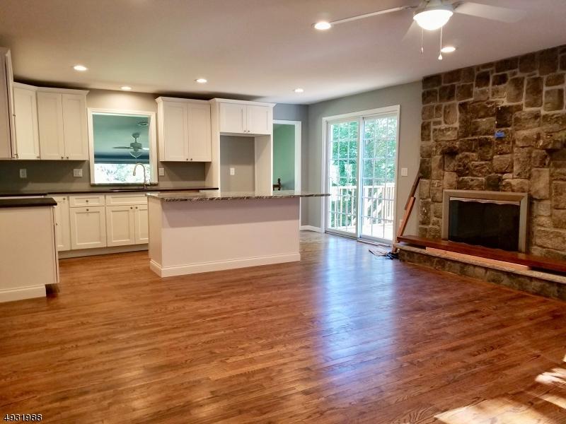 Single Family Homes für Verkauf beim Sandyston, New Jersey 07826 Vereinigte Staaten