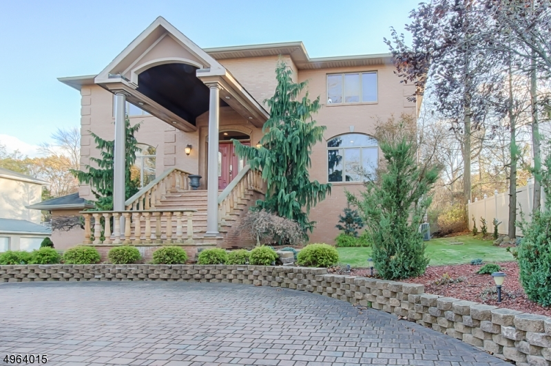 Single Family Homes للـ Sale في Woodland Park, New Jersey 07424 United States