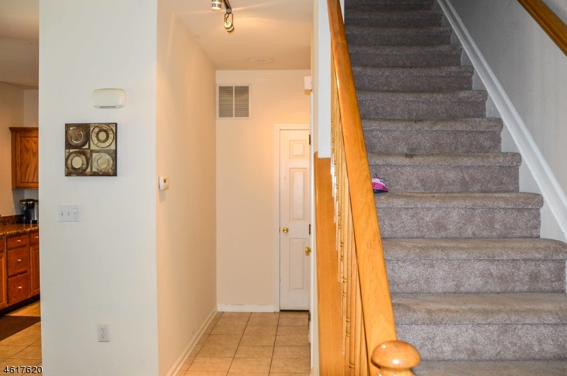 Additional photo for property listing at 205 Swanstrom Pl E  Union, New Jersey 07083 United States