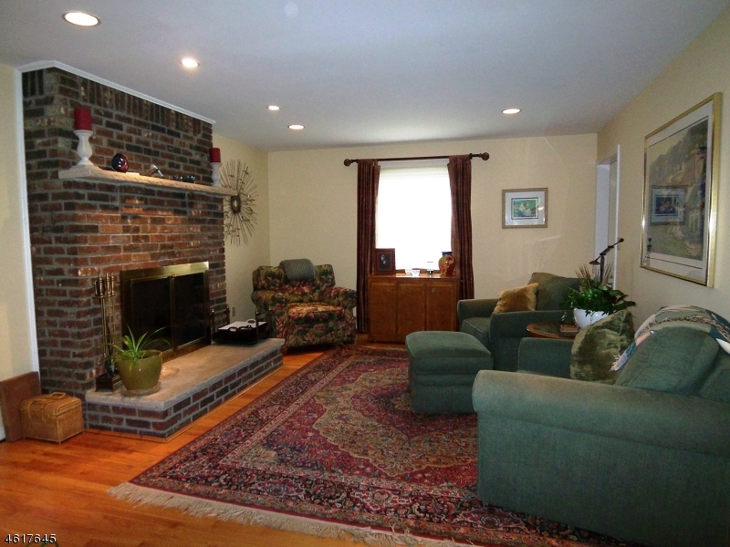 Additional photo for property listing at 923 ROUTE 517  Glenwood, Nueva Jersey 07418 Estados Unidos