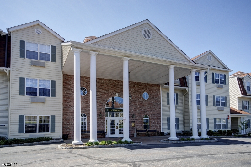 Частный односемейный дом для того Продажа на 1204 Richmond Road West Milford, Нью-Джерси 07480 Соединенные Штаты