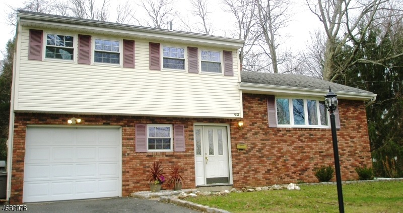 Single Family Home for Rent at 62 Fairway Drive East Hanover, 07936 United States