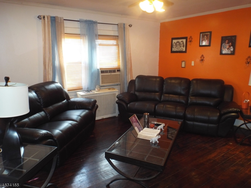 Additional photo for property listing at 251 Dixon Avenue  Paterson, New Jersey 07501 États-Unis