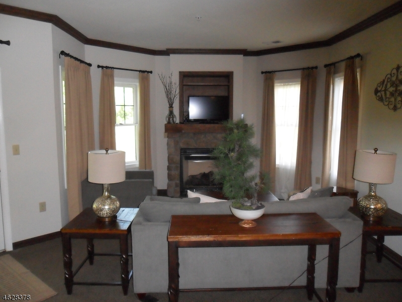 Additional photo for property listing at 4-13 PINE CRES  Vernon, New Jersey 07462 United States