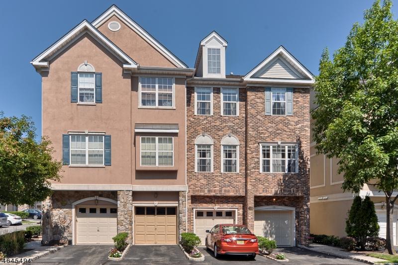 Casa Unifamiliar por un Venta en 6 Barrister Street Clifton, Nueva Jersey 07013 Estados Unidos
