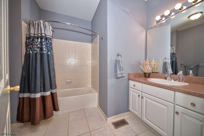 Additional photo for property listing at 6 Barrister Street  Clifton, Nueva Jersey 07013 Estados Unidos