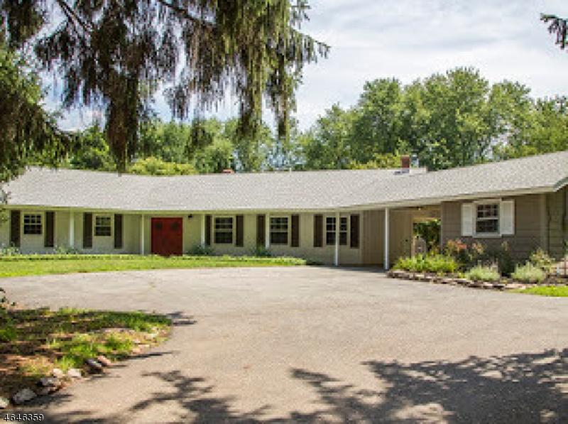 Частный односемейный дом для того Продажа на 233 Jacksonville Road Lincoln Park, 07035 Соединенные Штаты
