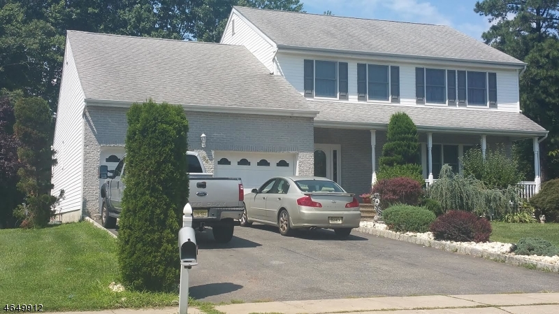 Additional photo for property listing at 64 Avenue D, k  Monroe Township, Нью-Джерси 08831 Соединенные Штаты