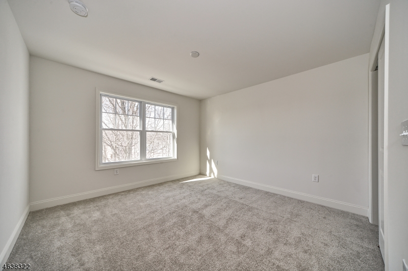 Additional photo for property listing at 54 Elston Ct 5E  Haskell, New Jersey 07420 United States