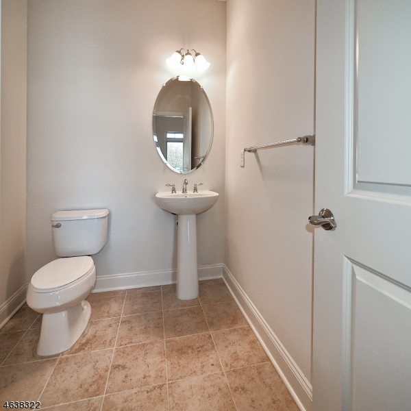 Additional photo for property listing at 54 Elston Ct 5E  Haskell, New Jersey 07420 États-Unis