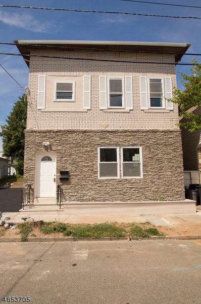 Additional photo for property listing at 109 Keasler Avenue  Lodi, 新泽西州 07644 美国