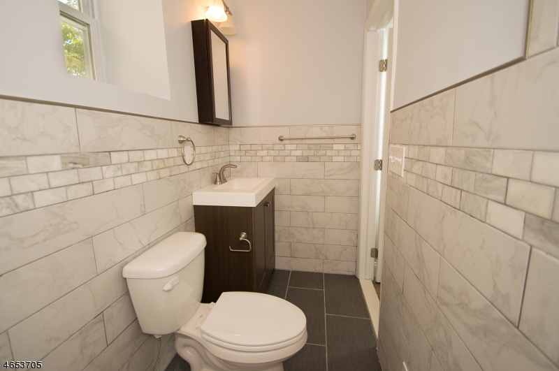 Additional photo for property listing at 109 Keasler Avenue  Lodi, Нью-Джерси 07644 Соединенные Штаты