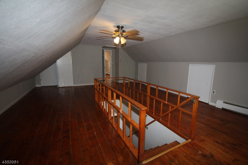 Additional photo for property listing at 68 Stephens State Park  Hackettstown, Нью-Джерси 07840 Соединенные Штаты