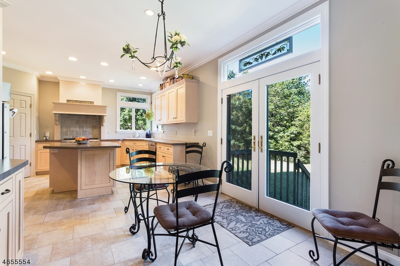 Additional photo for property listing at 5A CENTRAL Avenue  Whitehouse Station, New Jersey 08889 États-Unis