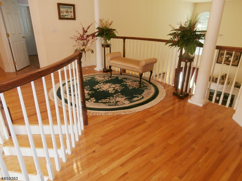 Additional photo for property listing at 5 Van Kirk Place  Sparta, New Jersey 07871 États-Unis