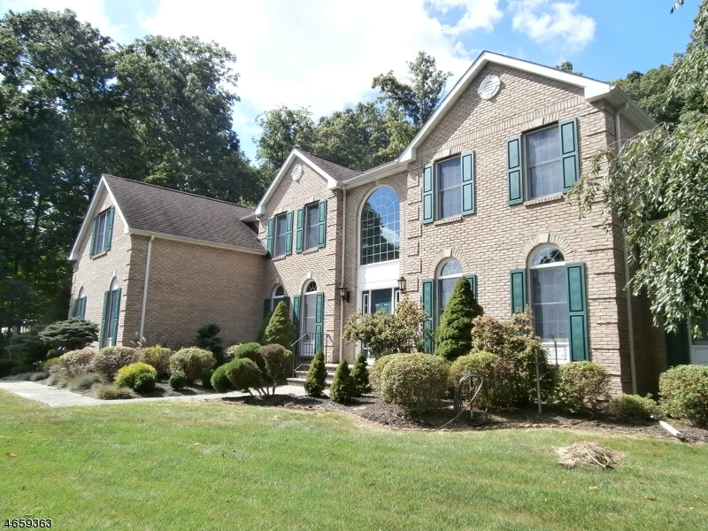 Additional photo for property listing at 5 Van Kirk Place  Sparta, New Jersey 07871 United States