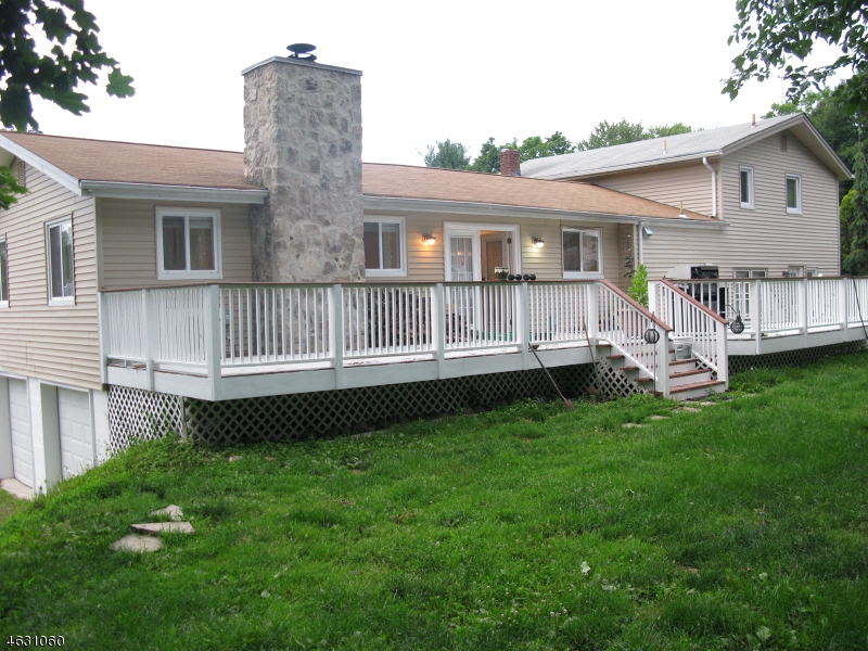 Additional photo for property listing at 9 Timothy Road  Wayne, Нью-Джерси 07470 Соединенные Штаты