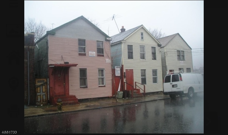 Additional photo for property listing at 655 S 11th Street  Newark, New Jersey 07103 United States