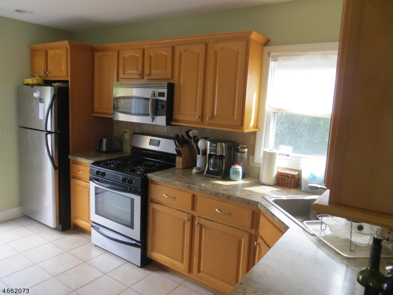Additional photo for property listing at 331 Blvd  Glen Rock, New Jersey 07452 États-Unis