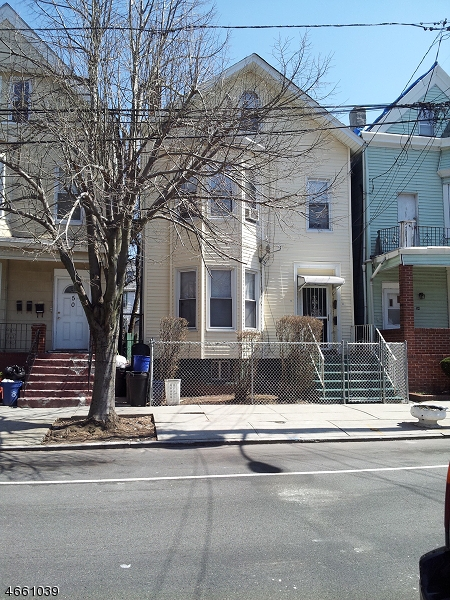 Additional photo for property listing at 52 S 12th Street  Newark, Nueva Jersey 07107 Estados Unidos