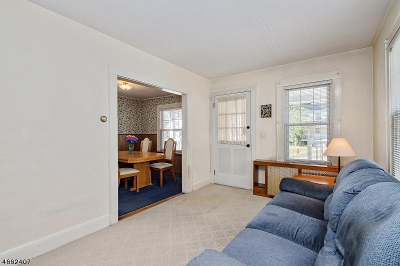 Additional photo for property listing at 641 N Avenue Ext  Dunellen, Нью-Джерси 08812 Соединенные Штаты