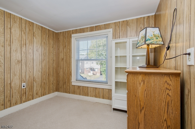 Additional photo for property listing at 641 N Avenue Ext  Dunellen, New Jersey 08812 États-Unis