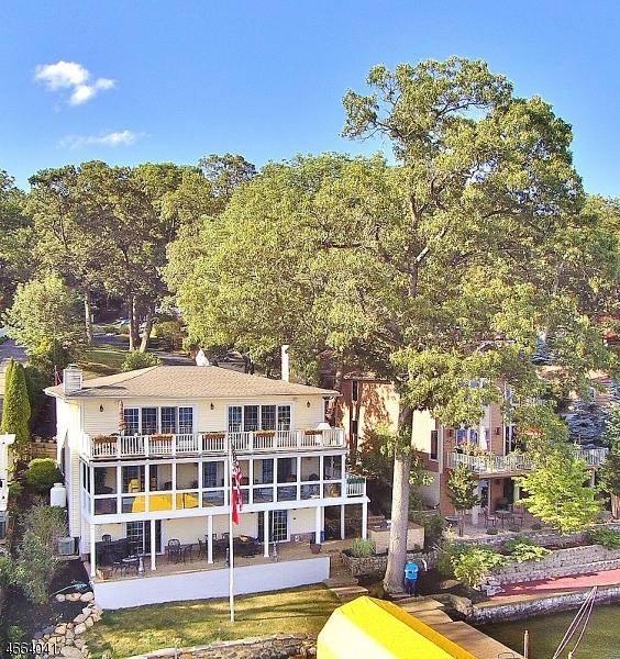 Частный односемейный дом для того Продажа на 60 Ithanell Road Hopatcong, 07843 Соединенные Штаты