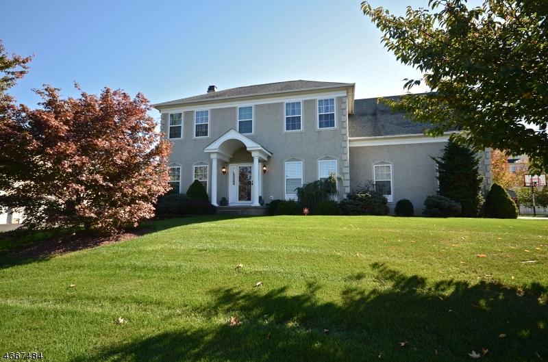 独户住宅 为 销售 在 1824 Gary Road Stewartsville, 新泽西州 08886 美国