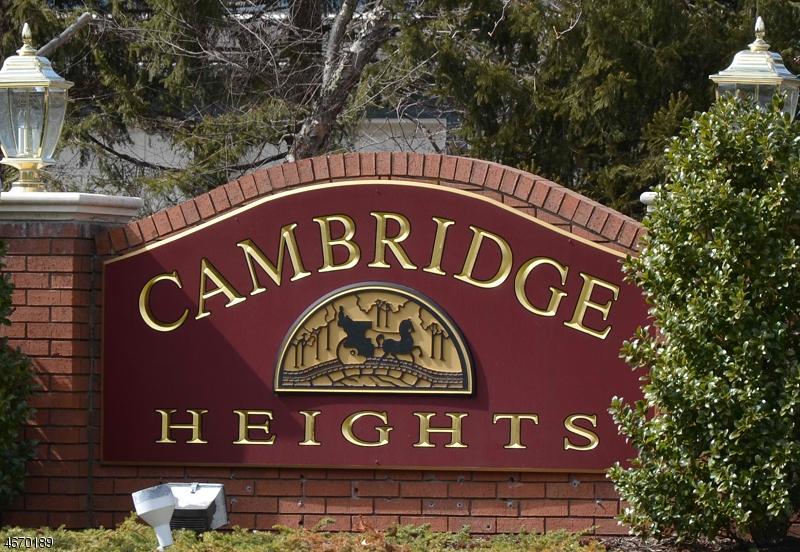 Частный односемейный дом для того Аренда на 108 Cambridge Court Clifton, 07014 Соединенные Штаты