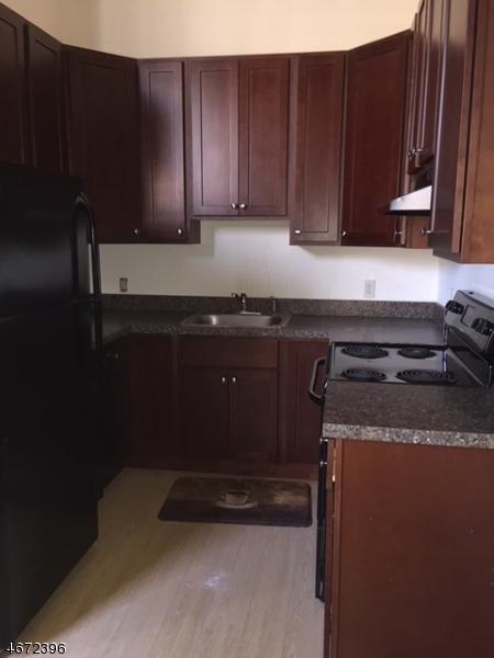 Частный односемейный дом для того Аренда на 91 Park Heights Avenue Dover, Нью-Джерси 07801 Соединенные Штаты