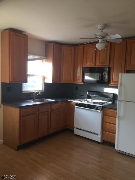 Casa Unifamiliar por un Alquiler en 71 Wall Street Rockaway, Nueva Jersey 07866 Estados Unidos