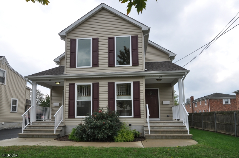Частный односемейный дом для того Аренда на 25A South Street Madison, Нью-Джерси 07940 Соединенные Штаты