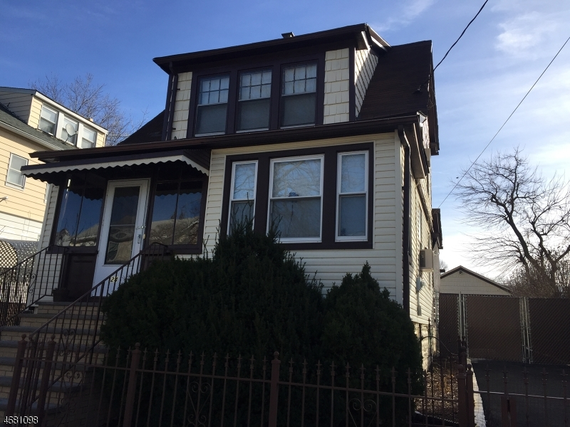 Single Family Home for Rent at 24 Roselyn Place Vauxhall, New Jersey 07088 United States