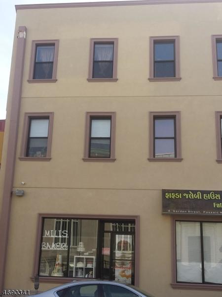 Частный односемейный дом для того Аренда на 6 Garden Street Passaic, Нью-Джерси 07055 Соединенные Штаты